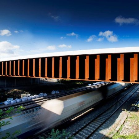Structures – Crossing Rail Infrastructure as 'Outside Parties'